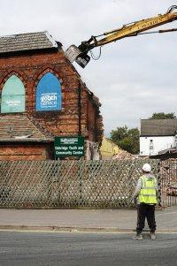 wyburzenie starego budynku